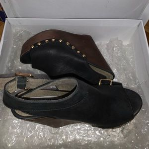 STEVE MADDEN Warrick Black wedge heels!